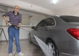 Bursa'da çamur yağdı, oto yıkamacılar bayram etti