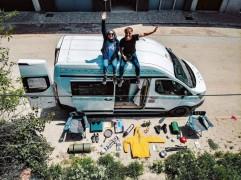 (Özel) Hayalini kurdukları karavanı inşa edip Türkiye turuna çıktılar